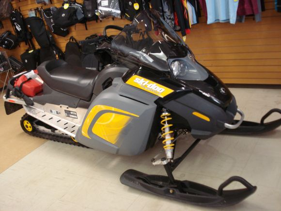 2009 SKI-DOO FREESTYLE BACK COUNTRY 550F (RF) R