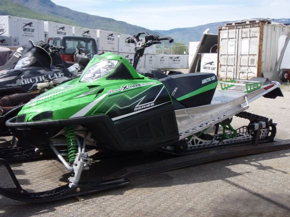 M8 Arctic Cat 2010. 2010 ARCTIC CAT M8 162 GREEN