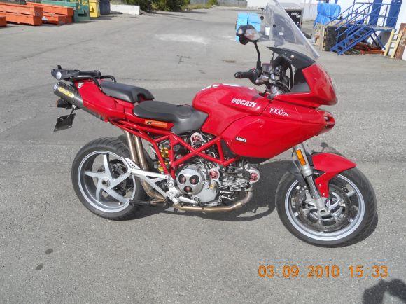2004 ducati multistrada 1000 ds – idee per l'immagine del motociclo